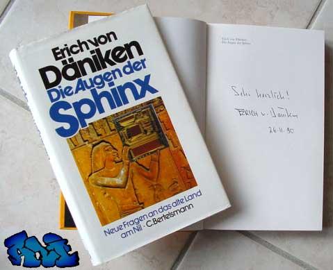 Signatur Erich von Däniken - Augen der Sphinx